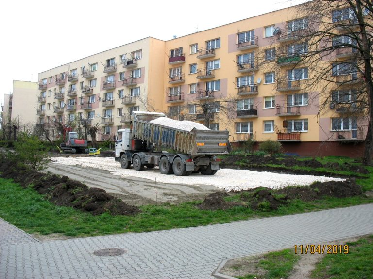os.-Gen.-Andersa-5-parking-20190411-3