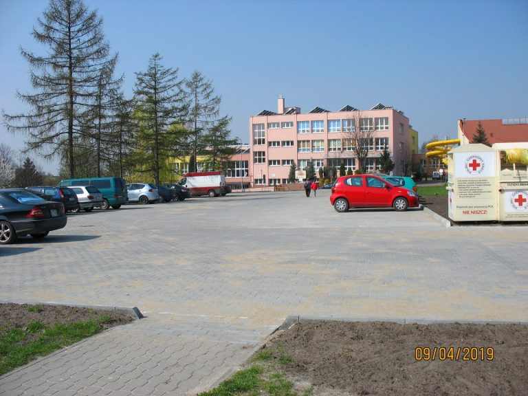 os.-Sikorskiego-1-parking-20190411-1